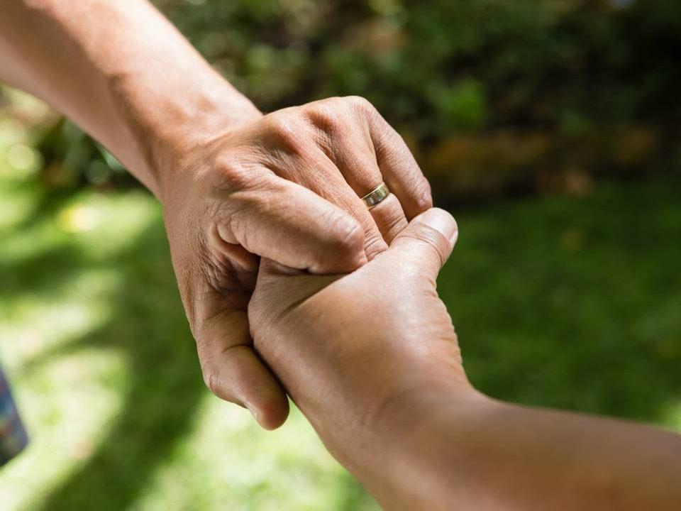 Assistência funeral ou auxílio funeral: qual escolher?