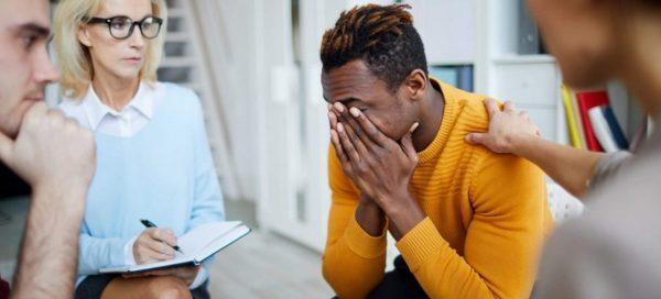 Acolhimento psicológico no luto: a importância de ressignificar sentimentos