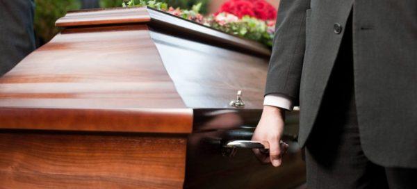 Sepultamento ou enterro: entenda a diferença e como escolher