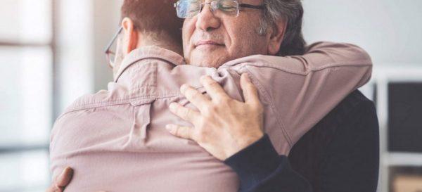 Mensagem de falecimento: veja 9 formas de confortar amigos e familiares