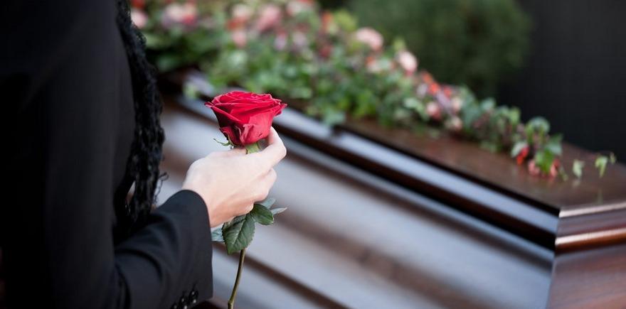 Como preparar-se emocionalmente e financeiramente para a morte de um familiar?