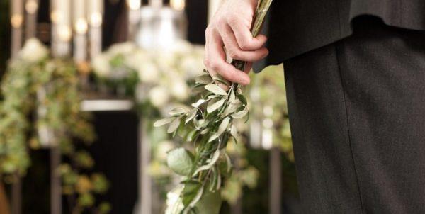 Licença funeral: saiba quando é possível se afastar do trabalho
