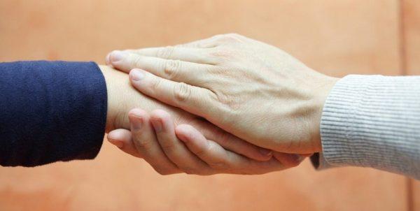 Respeitando o período de luto: saiba como oferecer conforto