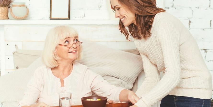 Saiba quais são os desafios para cuidar de pais idosos